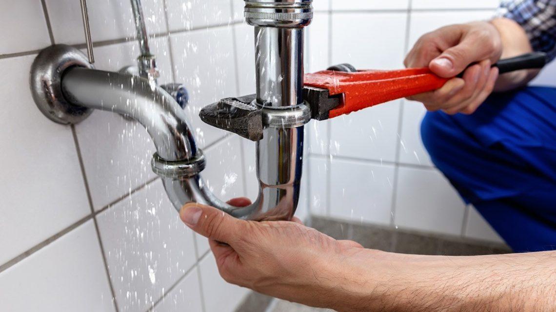 Comment détecter efficacement une fuite d'eau enterrée ?