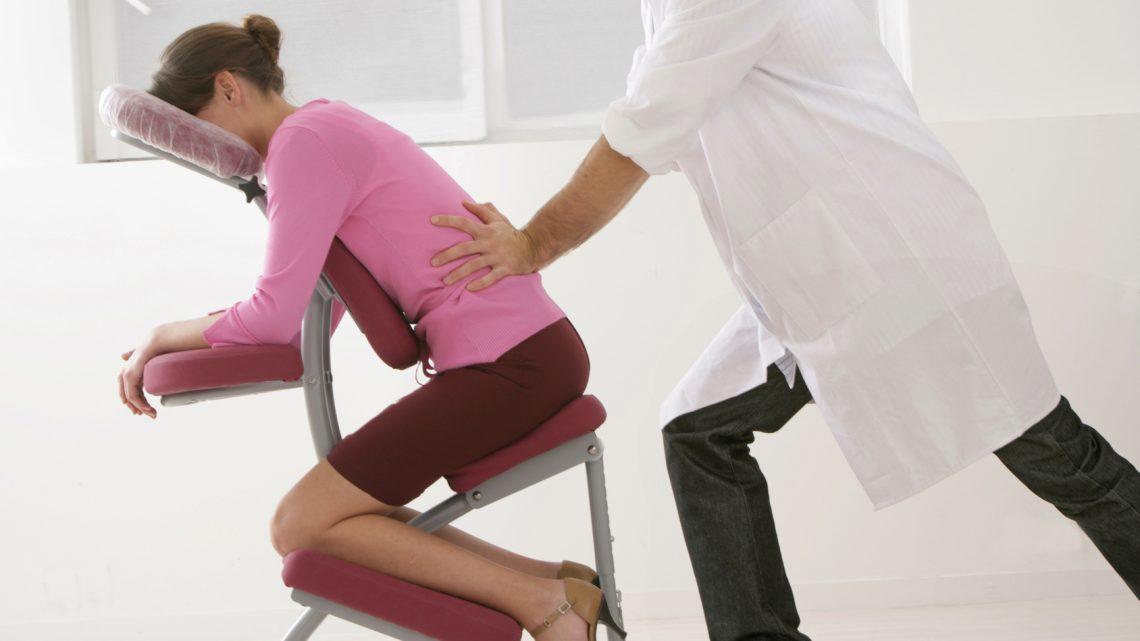 Le massage assis pour un environnement de travail serein
